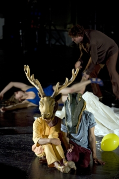 Nationaltheater Weimar  Gefährliche Menschen von Jörg-Michael KoelblInszenierung: Claudia Meyer